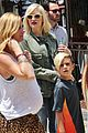 gwen stefani family filled knotts berry farm 04