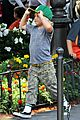 gwen stefani family filled knotts berry farm 10