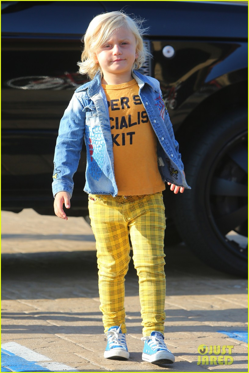 gwen stefani kids have sunday dinner at nobu 02
