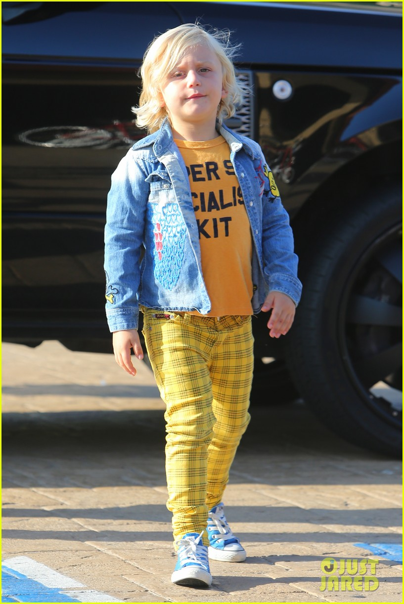 gwen stefani kids have sunday dinner at nobu 052909538