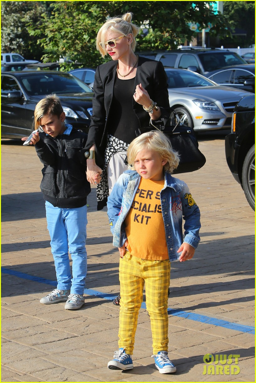 gwen stefani kids have sunday dinner at nobu 162909549
