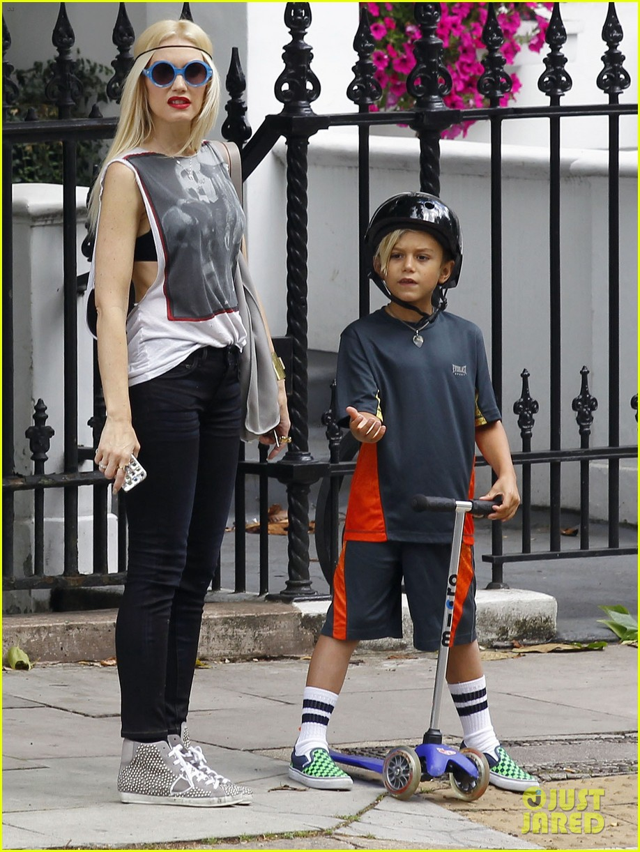 gwen stefani gavin rossdale roam london with the boys 01