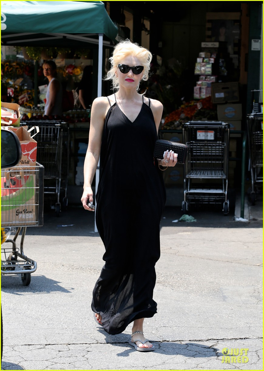 gwen stefani i feel special with nearly 1 million twitter followers 05