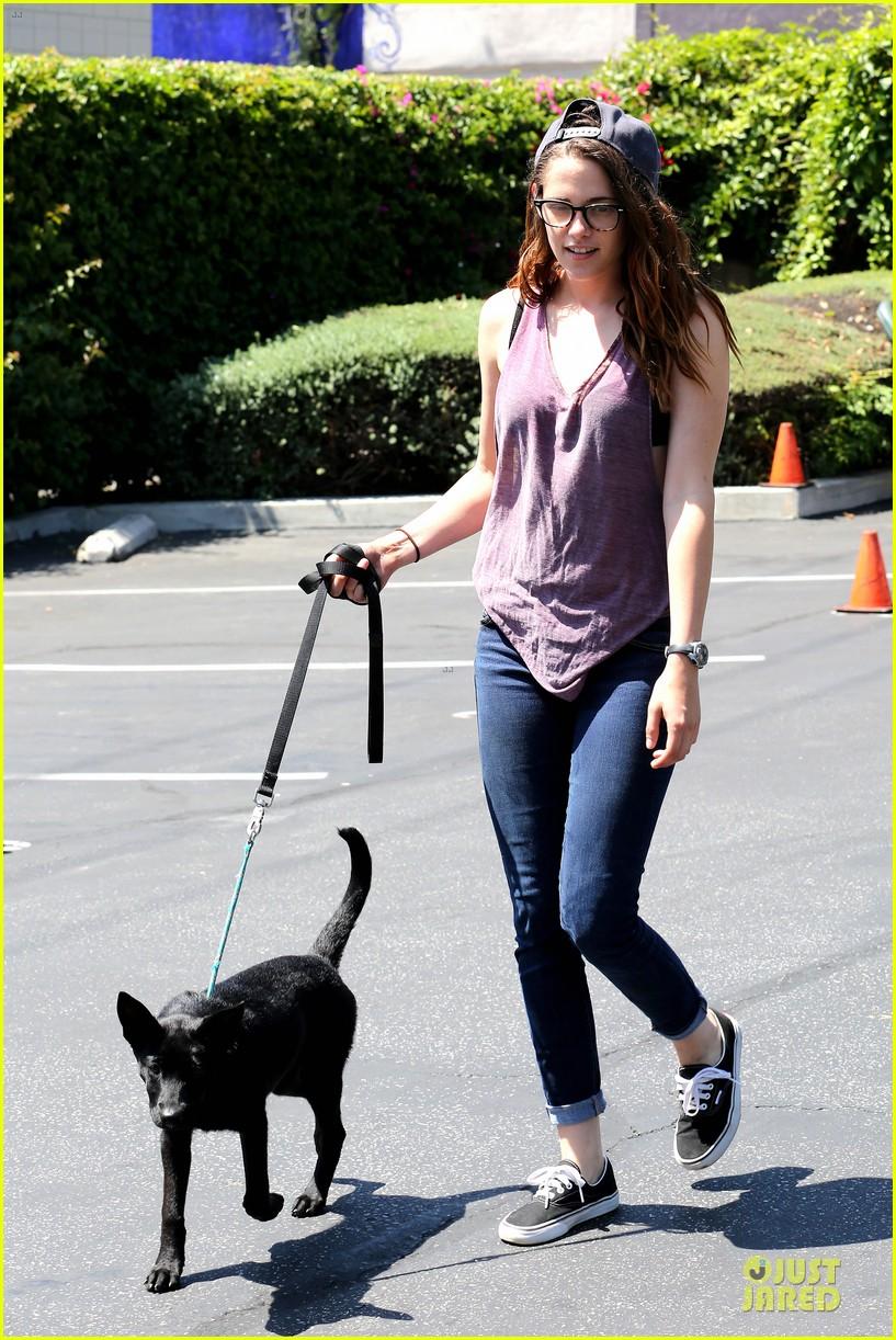 kristen stewart bra revealing walk with new puppy 162920424