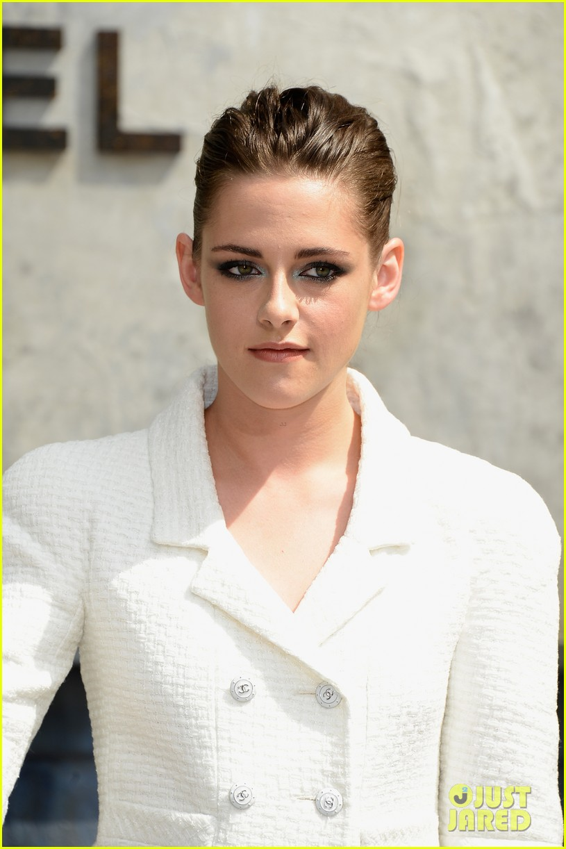 kristen stewart chanel paris fashion show 062902514