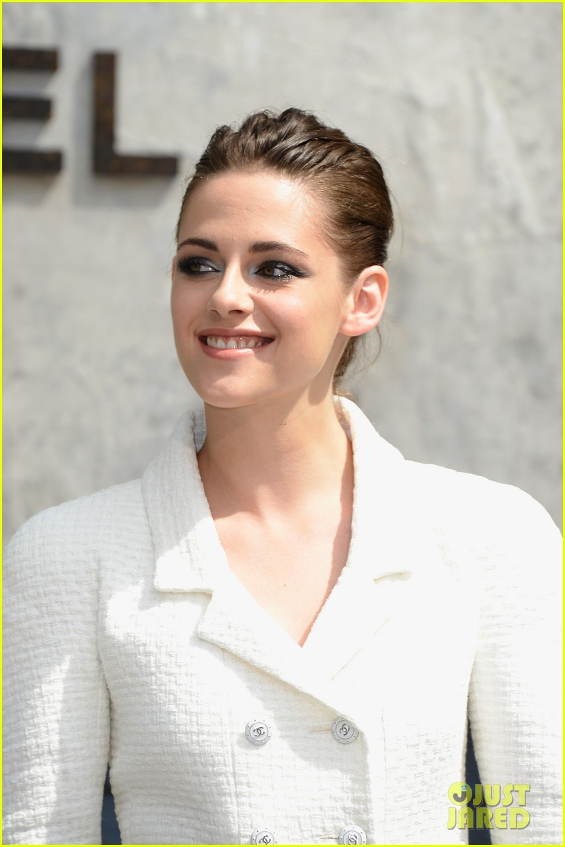 kristen stewart chanel paris fashion show 082902516