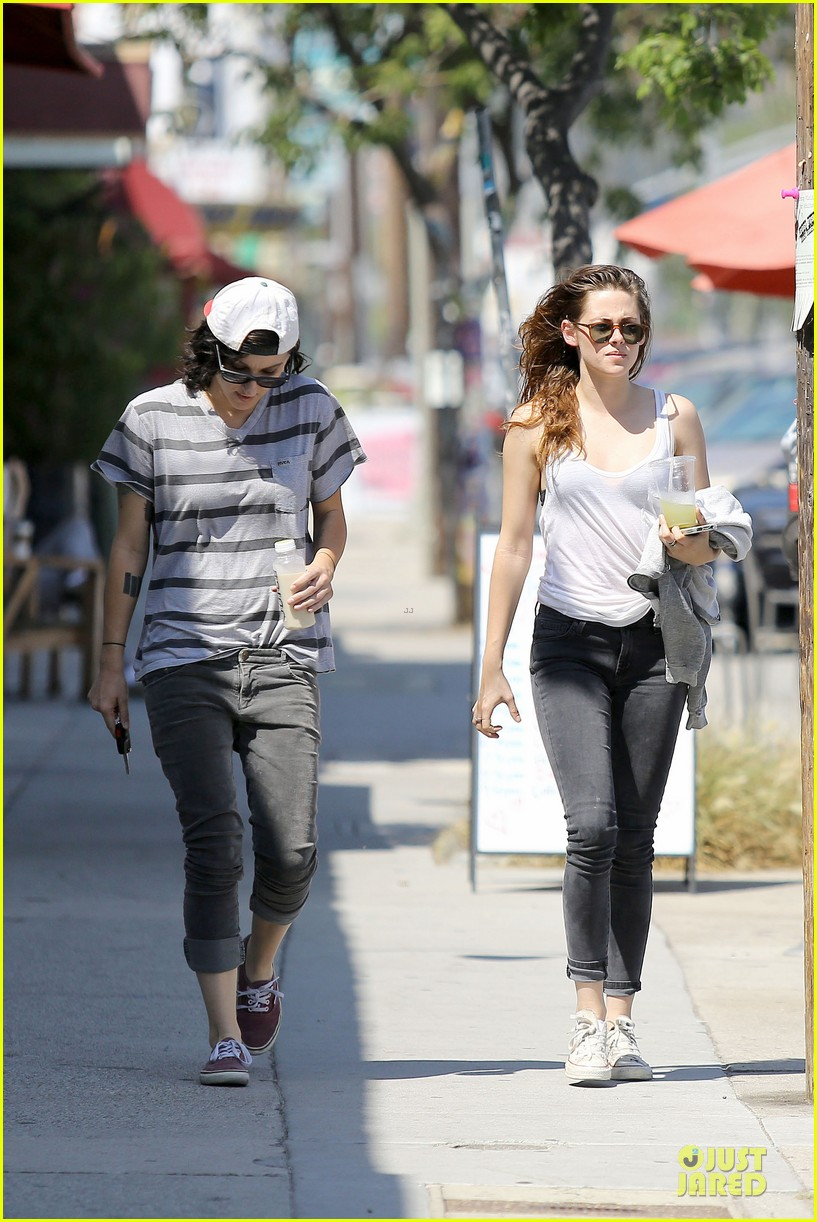 kristen stewart casual juice bar stop 142906781