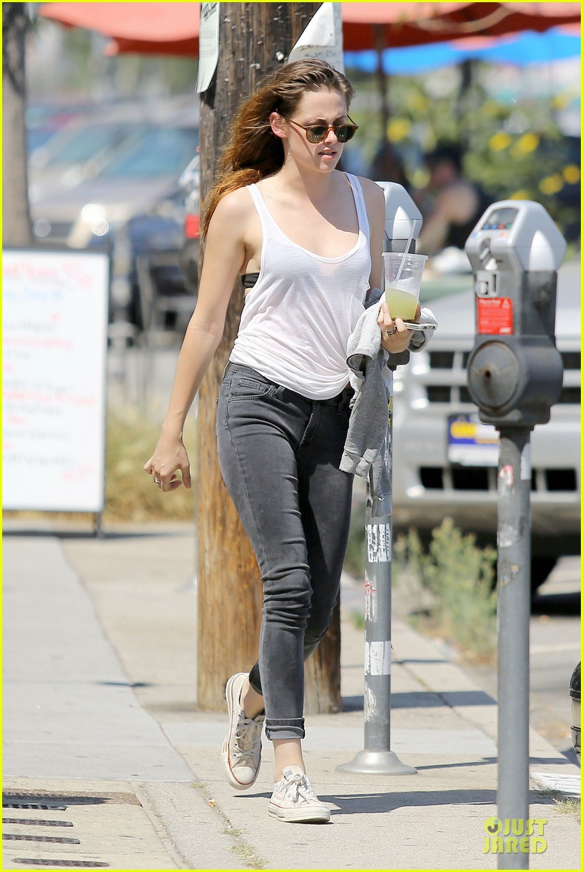kristen stewart casual juice bar stop 192906786