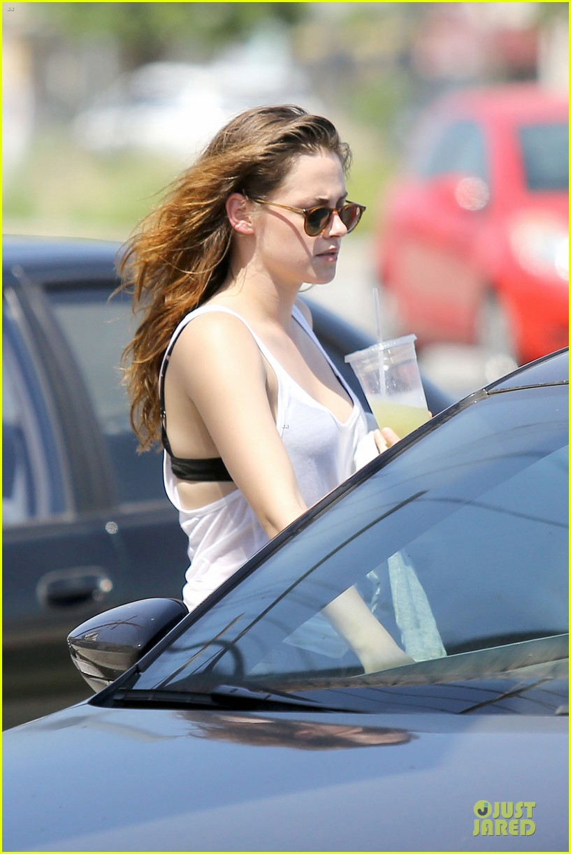 kristen stewart casual juice bar stop 222906789