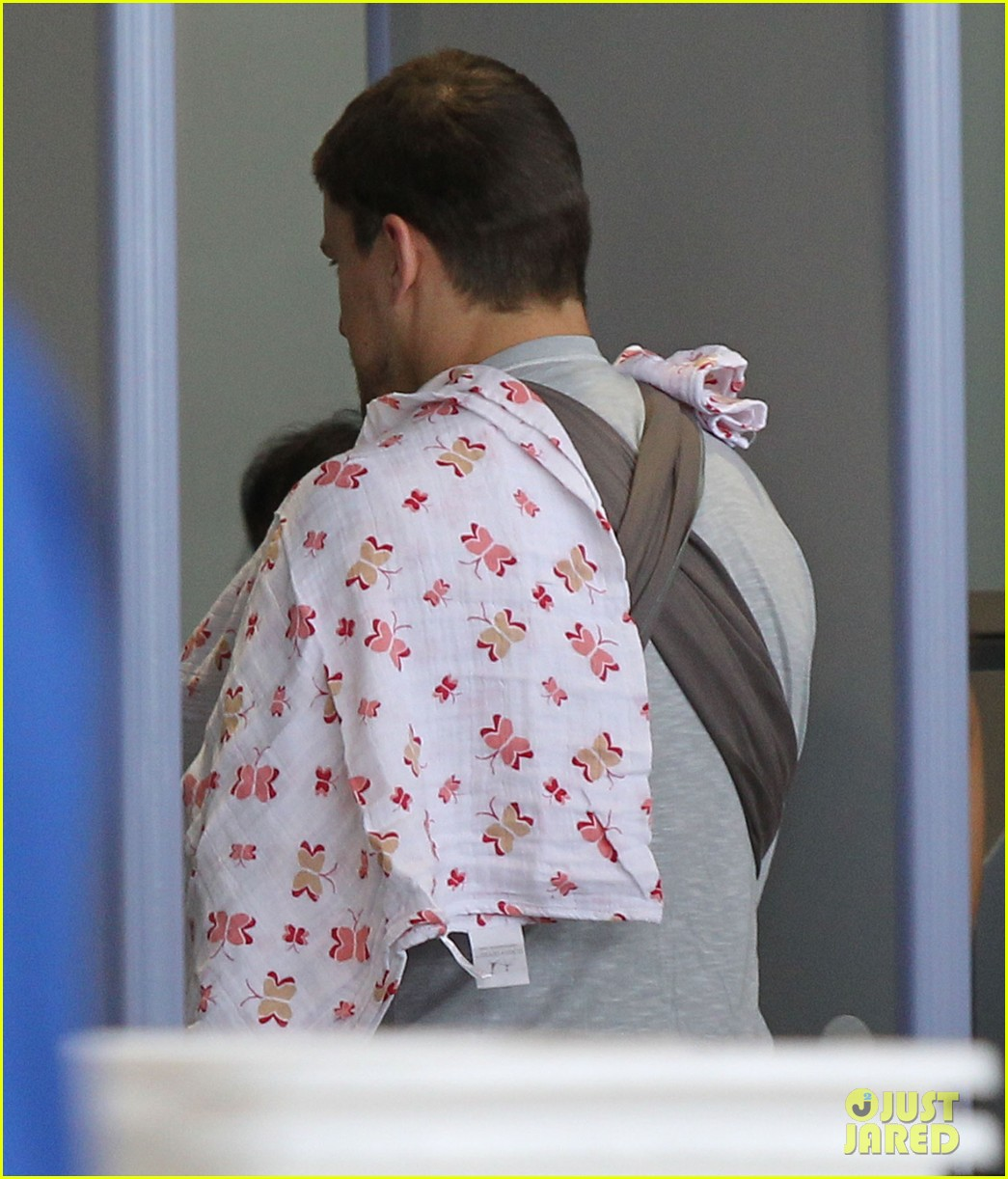 channing tatum jenna dewan tatum lax departure with baby everly 052905534