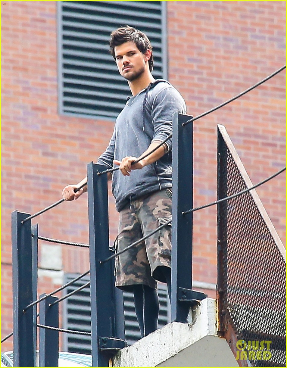 taylor lautner marie avgeropoulos tracers romance 15