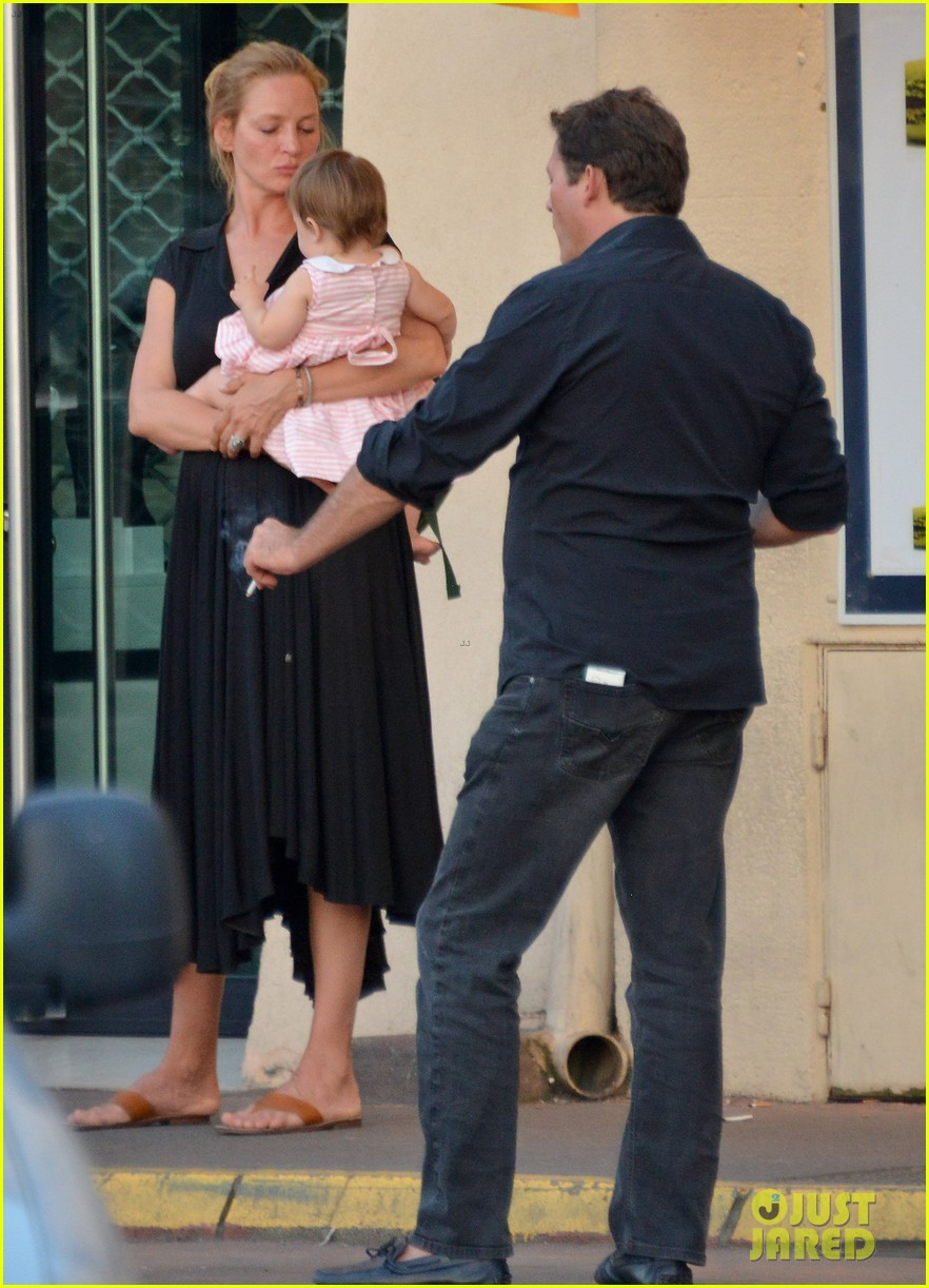 uma thurman saint tropez trip with arpad busson kids 08