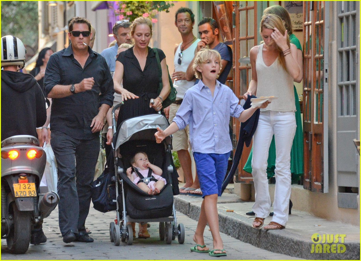 uma thurman saint tropez trip with arpad busson kids 132904885