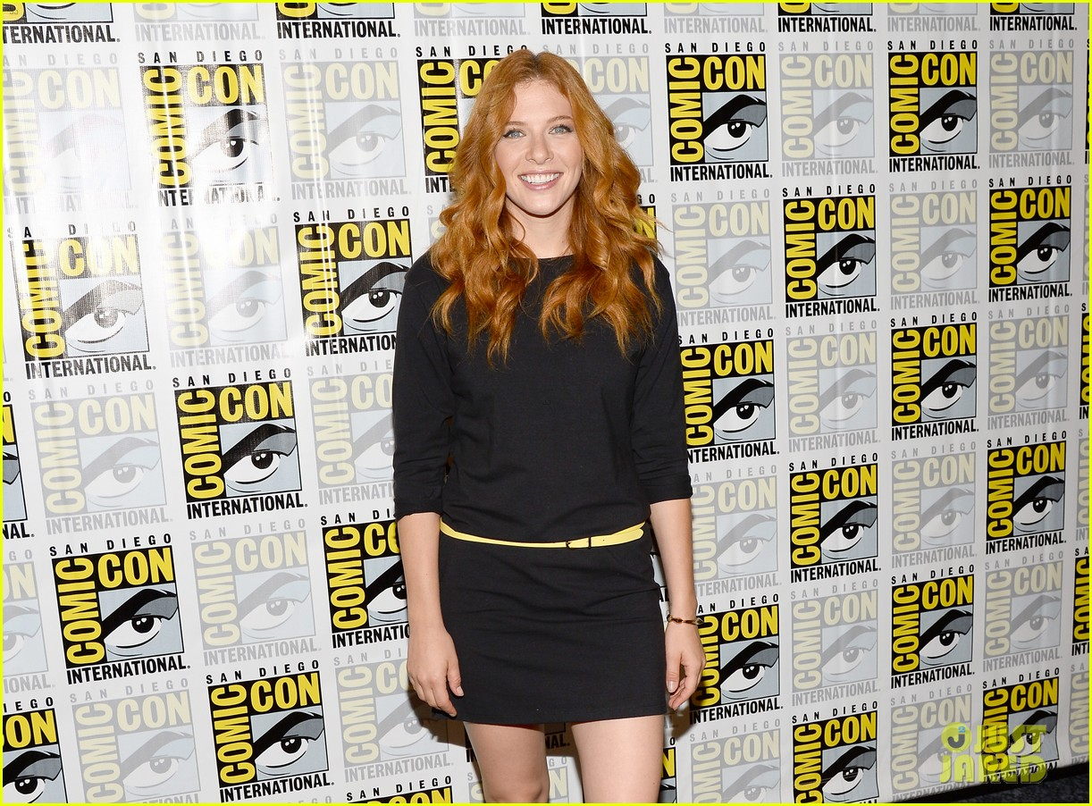 mike vogel rachelle lefevre under the dome at comic con 112913410