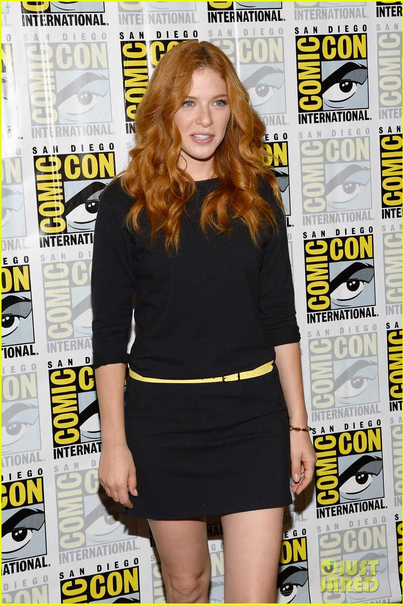 mike vogel rachelle lefevre under the dome at comic con 122913411