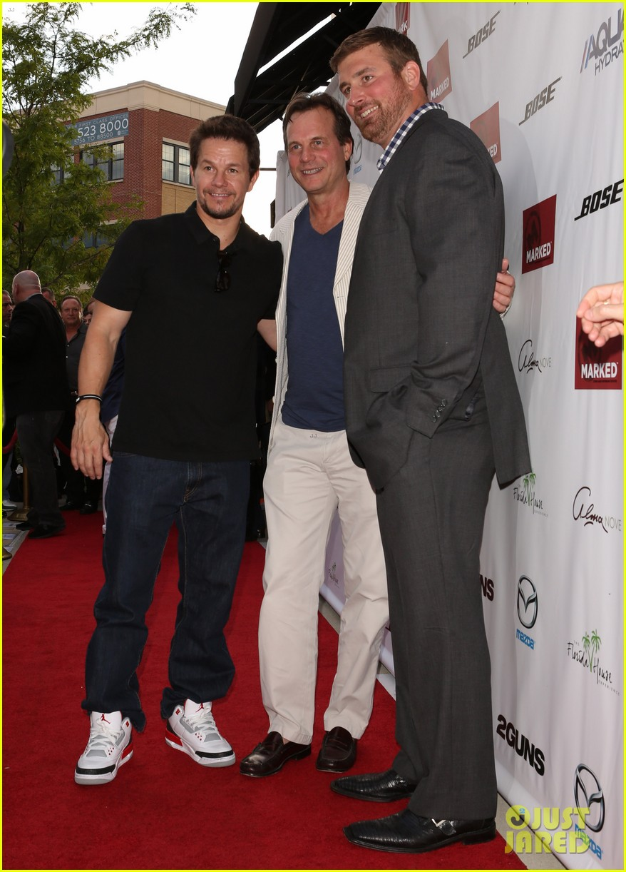 mark wahlberg 2 guns boston premiere 012920757