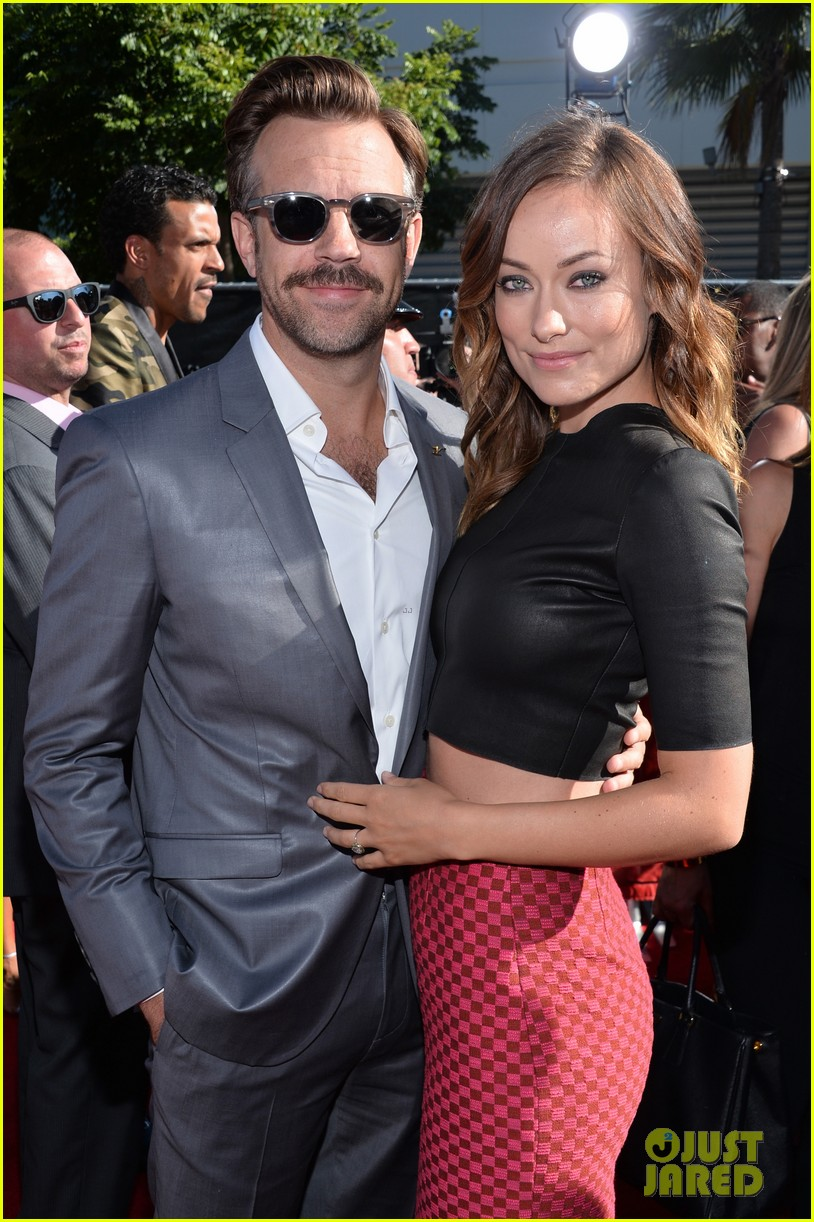 jason sudeikis olivia wilde has made out with more chicks than i have 042911190
