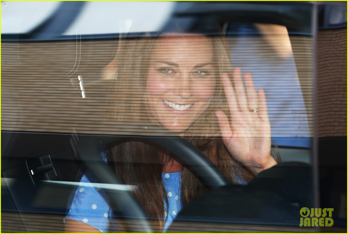 prince william drives royal baby kate middleton home 052915285