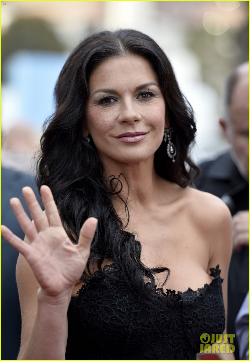 catherine zeta jones bruce willis red 2 premiere 14