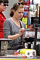 amy adams shops for groceries in vancouver with the family 10