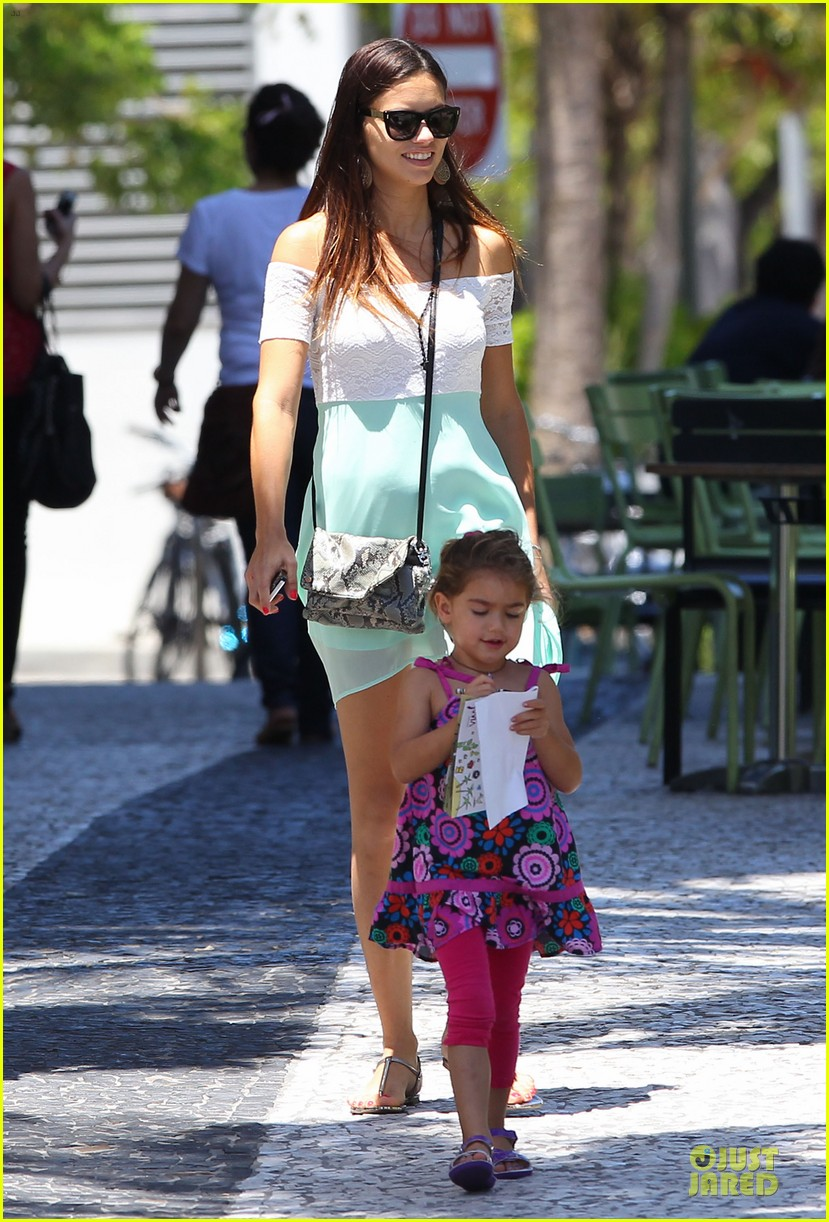 adriana lima family lunch with valentina sienna 102929631