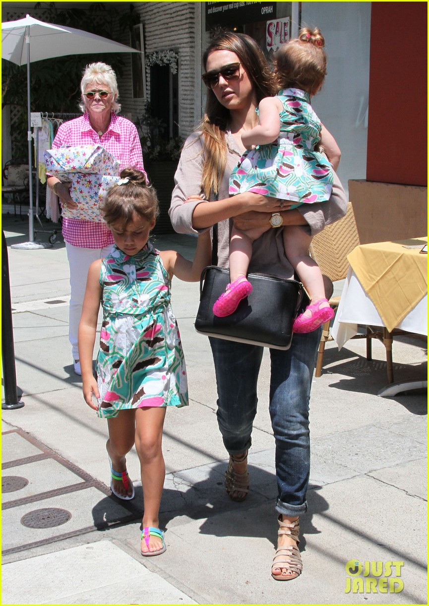 jessica alba honor haven wear matching outfits 242923192