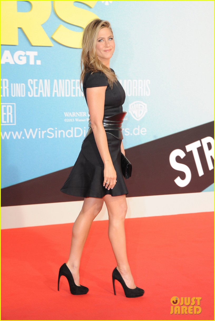 jennifer aniston were the millers berlin premiere 05
