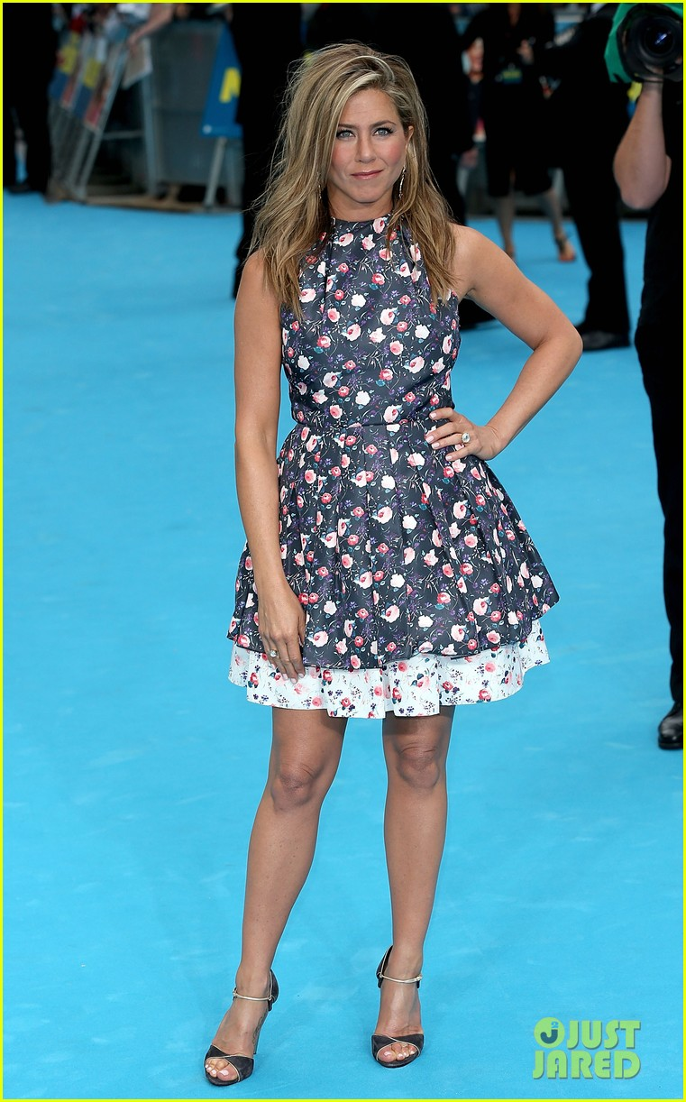 jennifer aniston were the millers european premiere with jason sudeikis 012930151