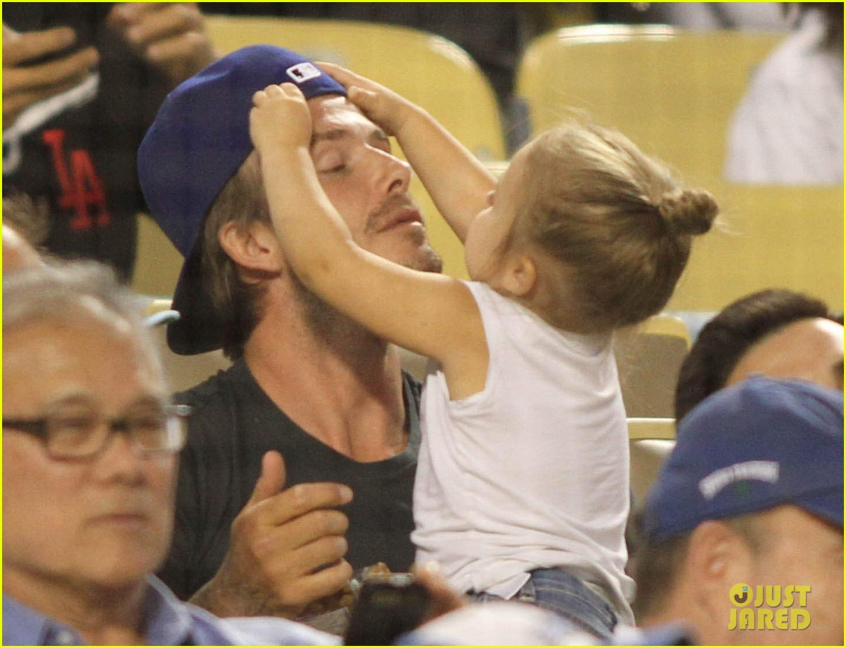 david beckham harper daddy daughter baseball game 082939636