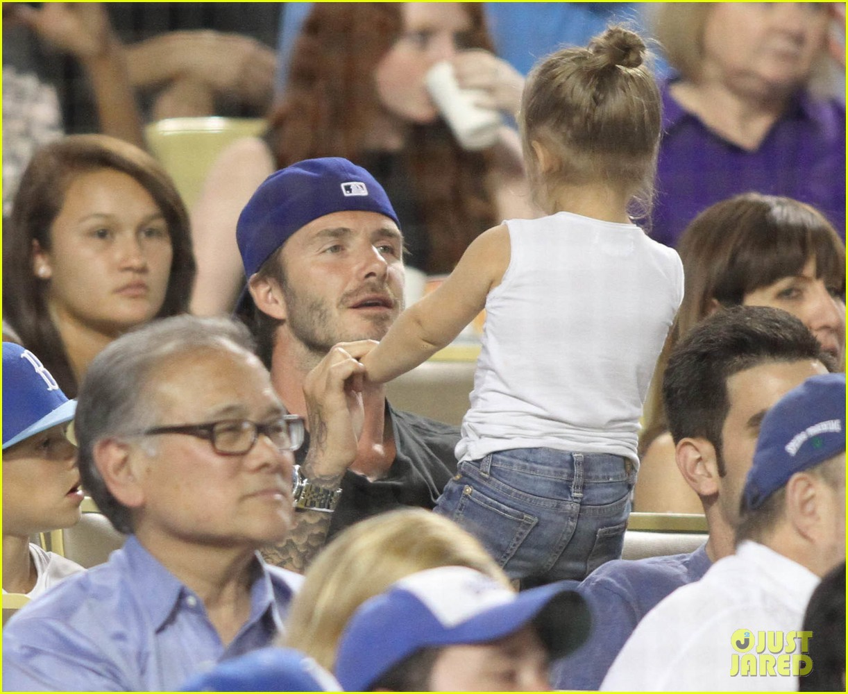 david beckham harper daddy daughter baseball game 112939639