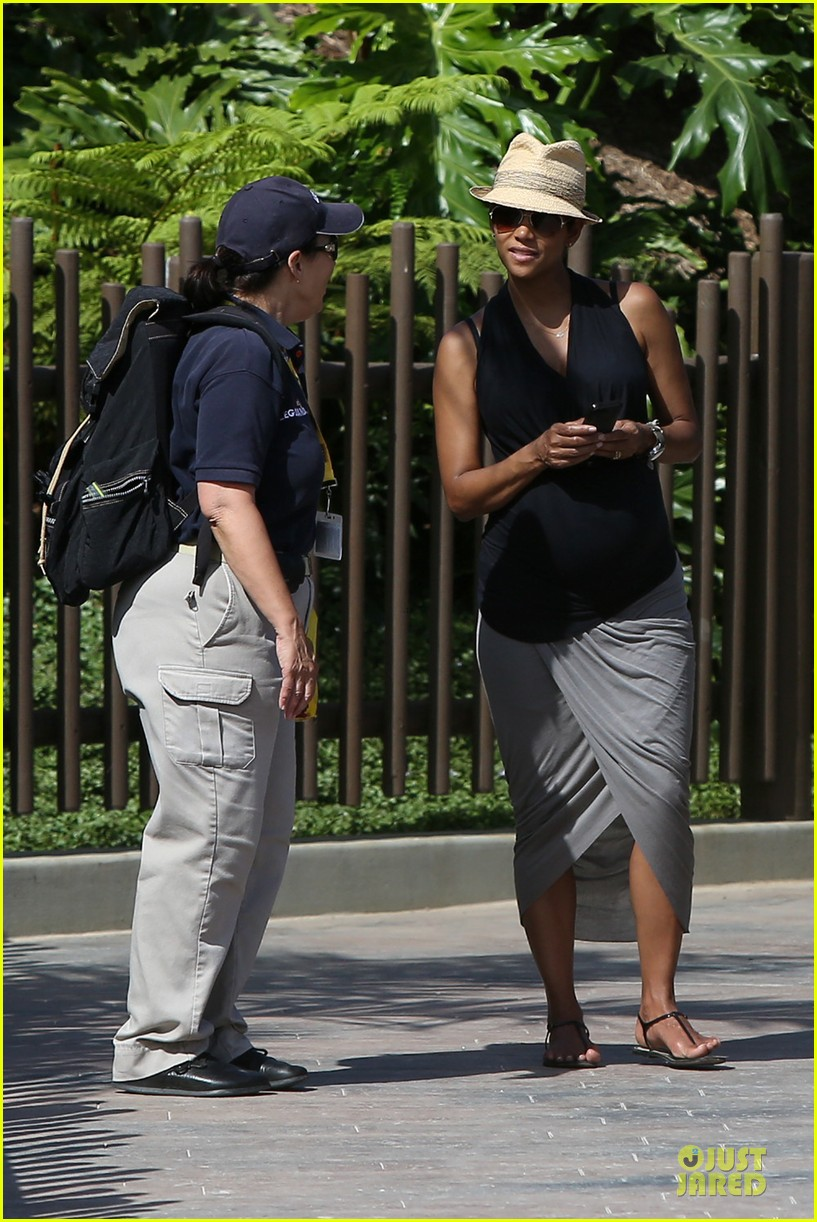 halle berry olivier martinez legoland with nahla 412934165