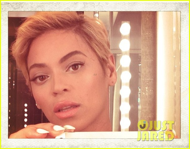 beyonce cuts hair debuts super short blonde look 012925776