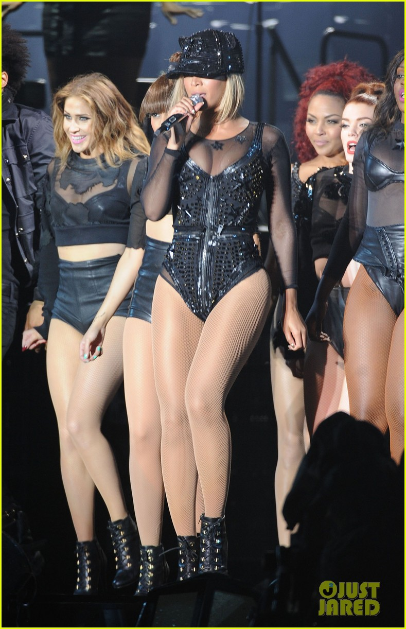 beyonce rocks short bob haircut at v festival 21