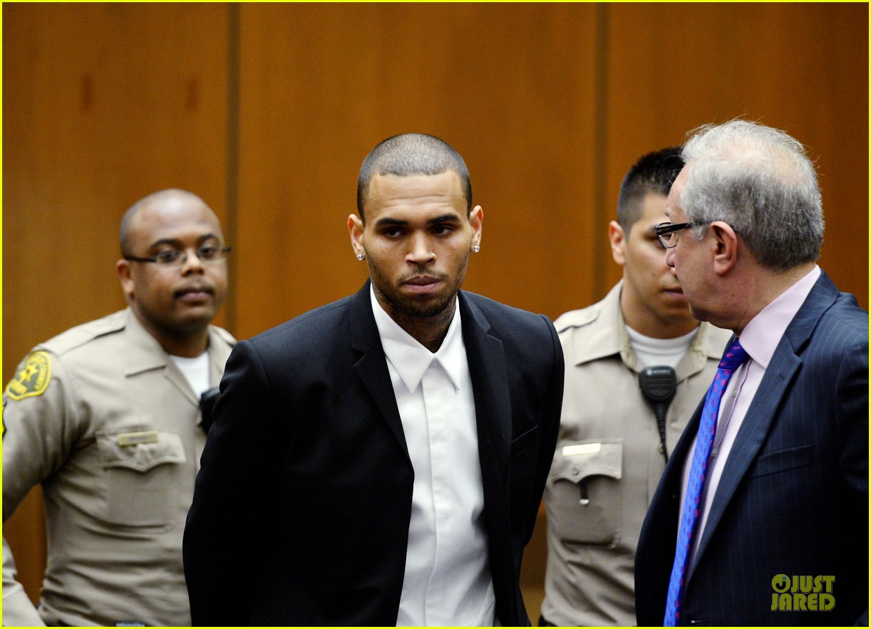 chris brown sentenced to 1000 hours of community labor 032931661