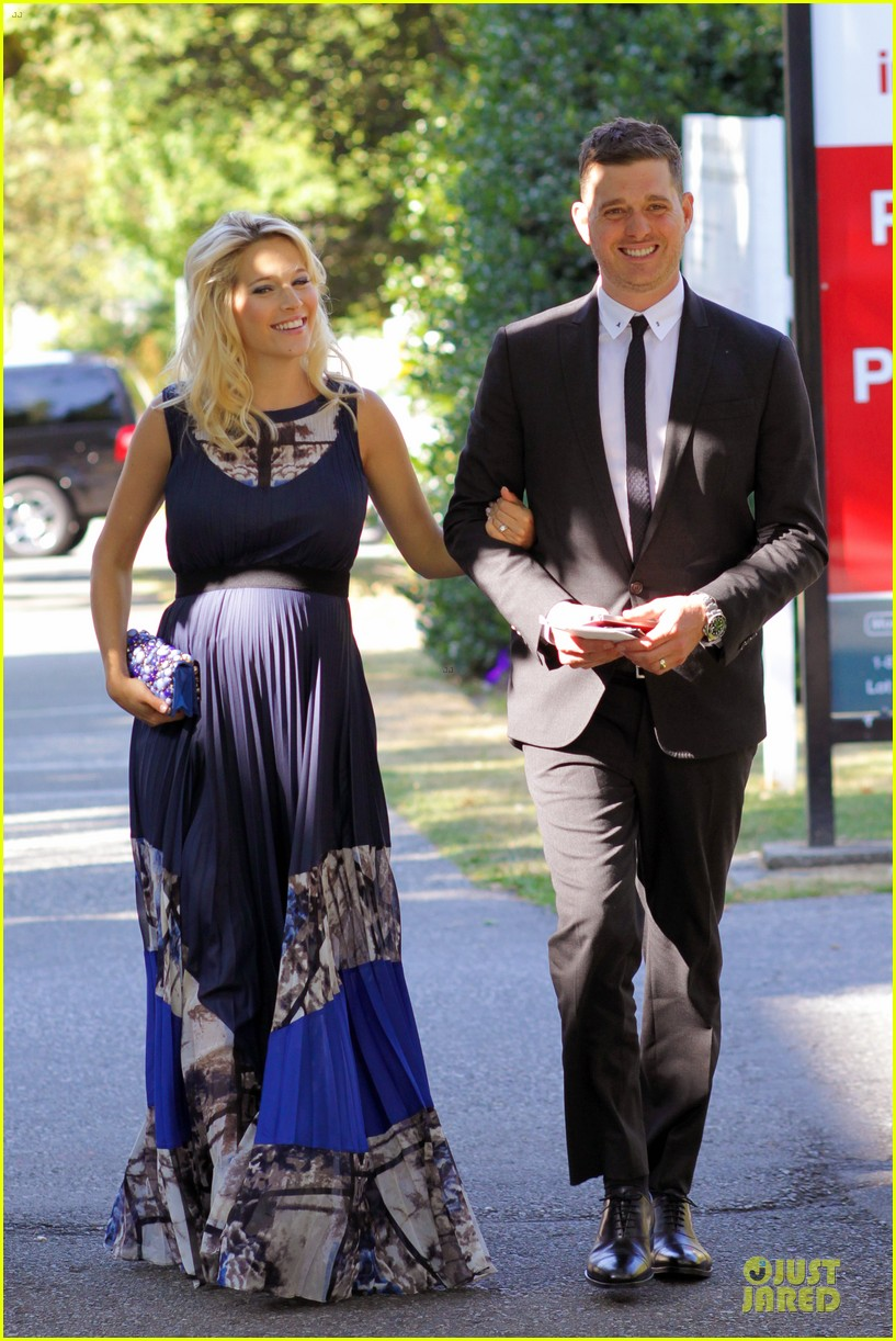 michael buble lusiana lopilato vancouver wedding couple 112928964