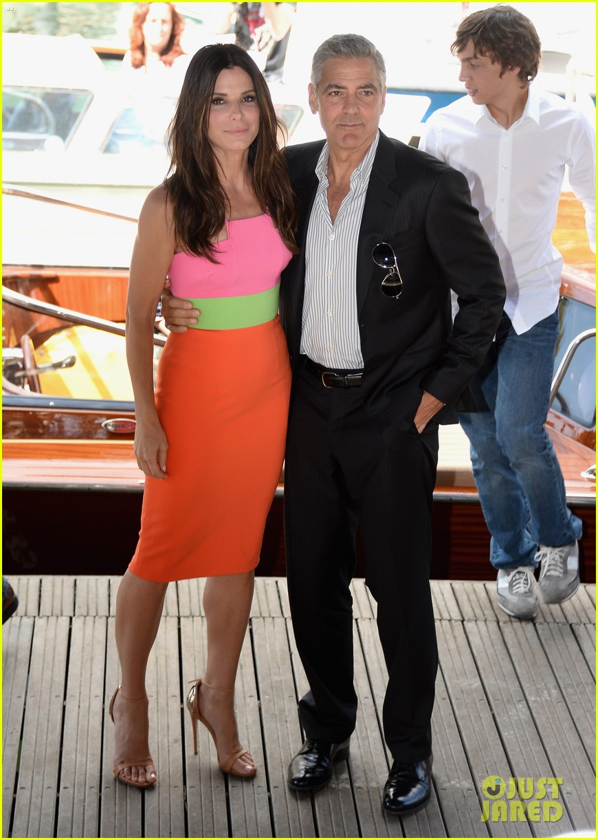 sandra bullock george clooney gravity venice photo call 02