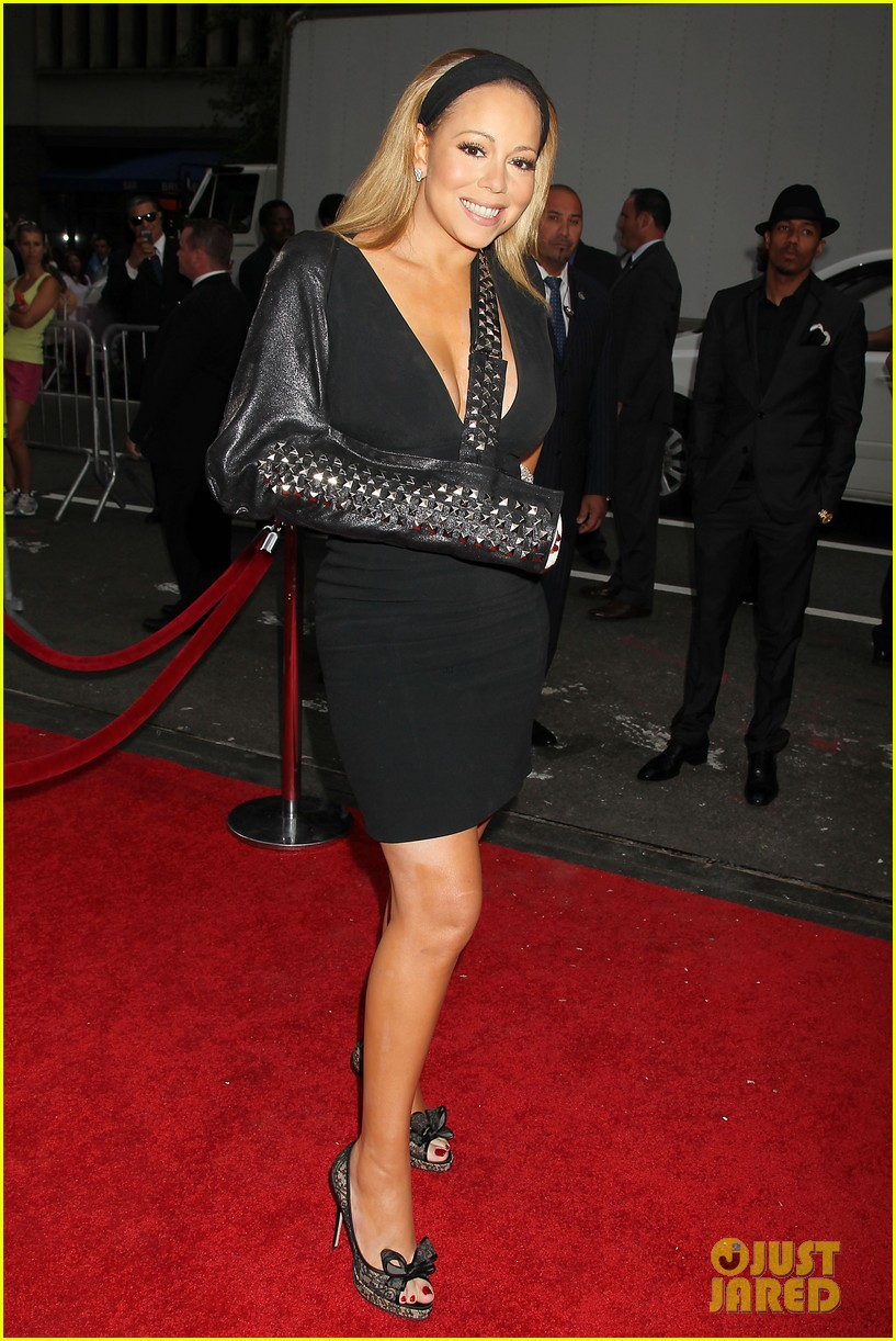 mariah carey wears arm sling to butler new york premiere 052924341