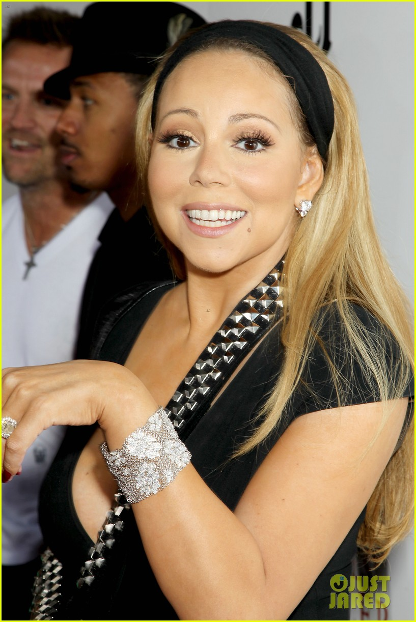 mariah carey wears arm sling to butler new york premiere 152924351