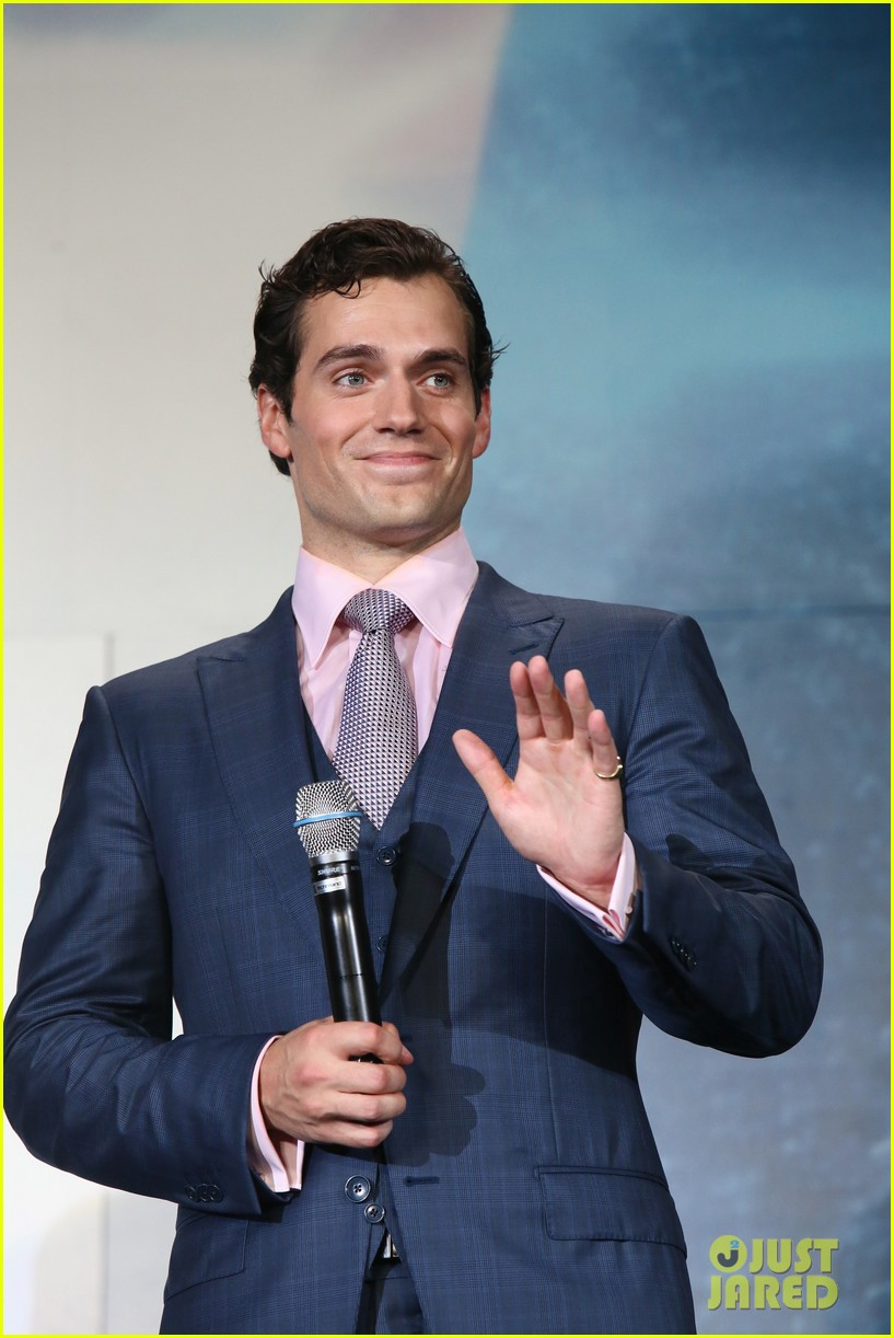henry cavill man of steel japan premiere 04