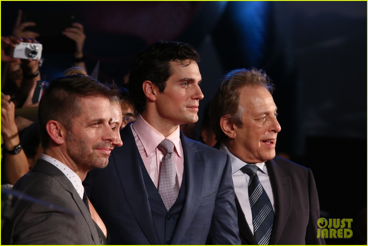 henry cavill man of steel japan premiere 052934645
