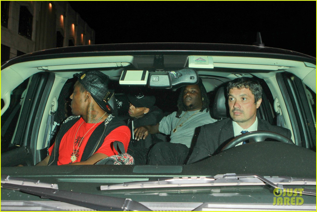 chris brown night out following love more video shoot 16