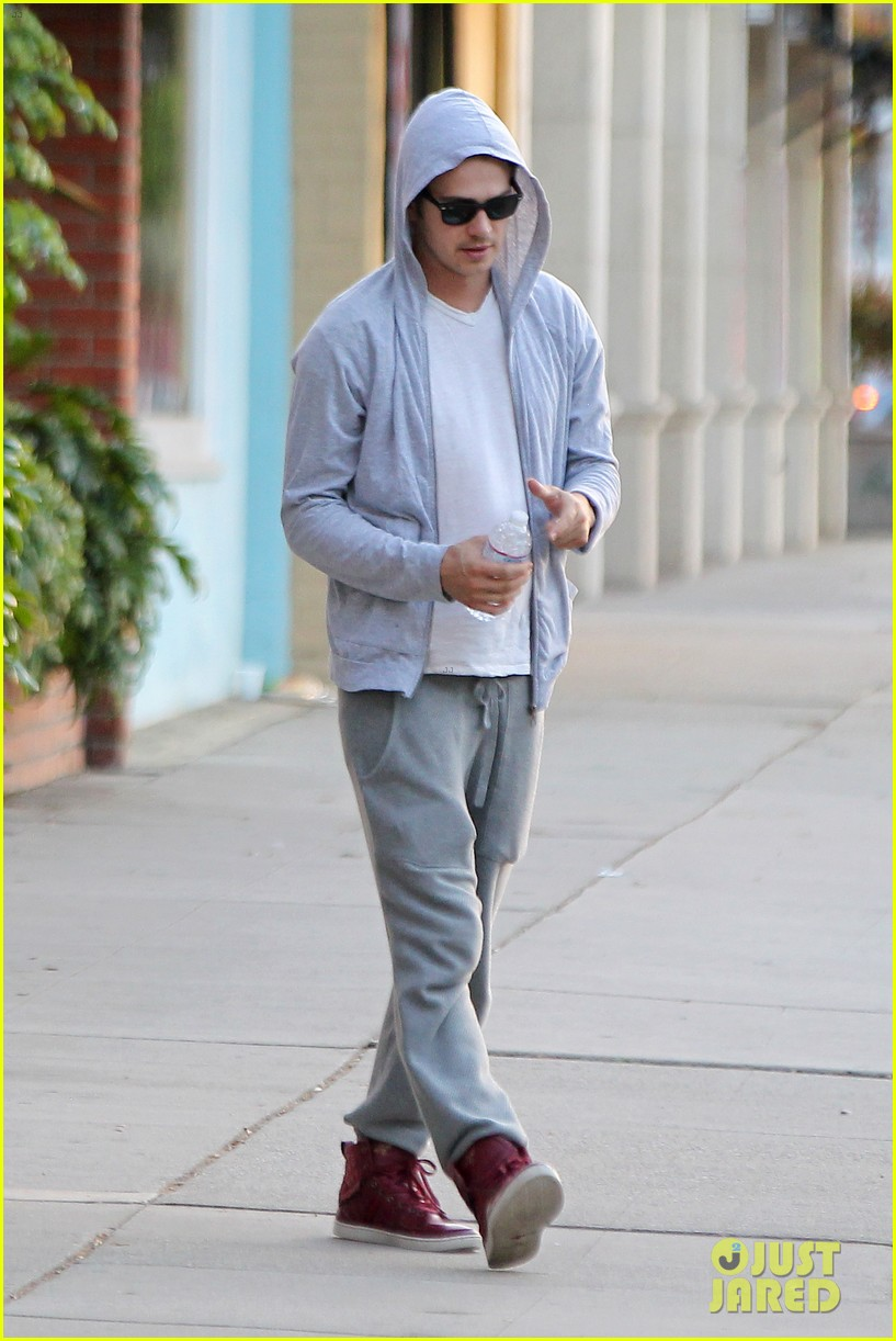 hayden christensen looks relaxed after massage parlor visit 03