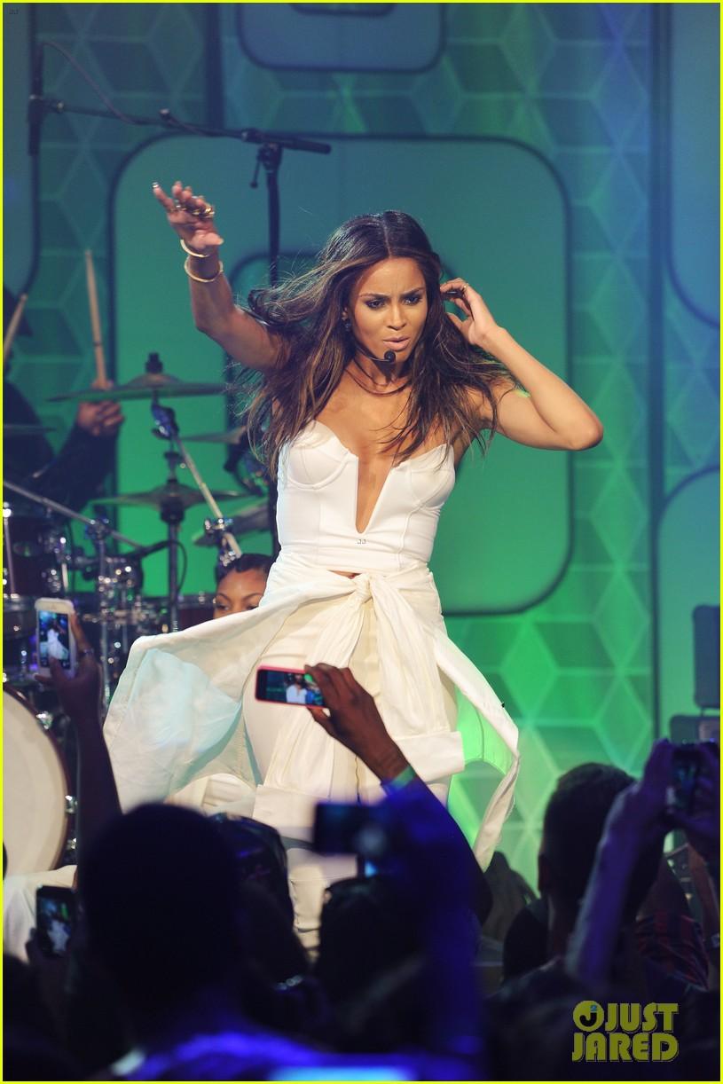 ciara becky g easy breezy brooklyn concert 15