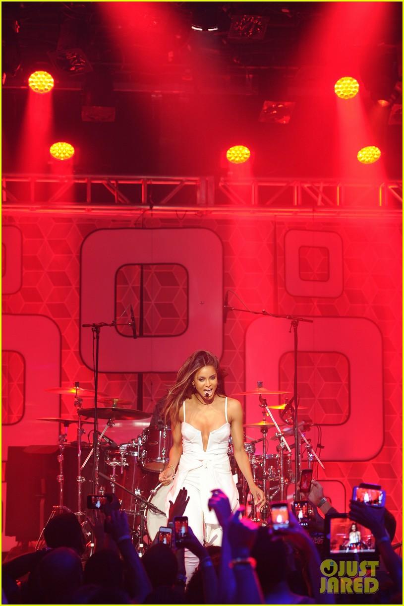 ciara becky g easy breezy brooklyn concert 20