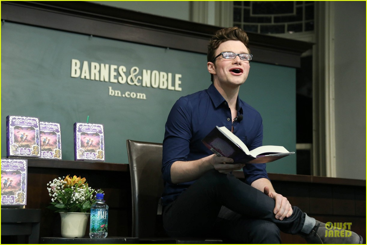 chris colfer land of stories the enchantress returns book event 07