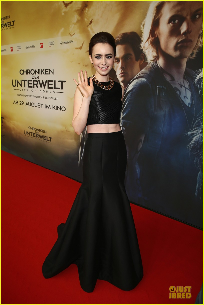 lily collins jamie campbell bower city of bones berlin premiere 13
