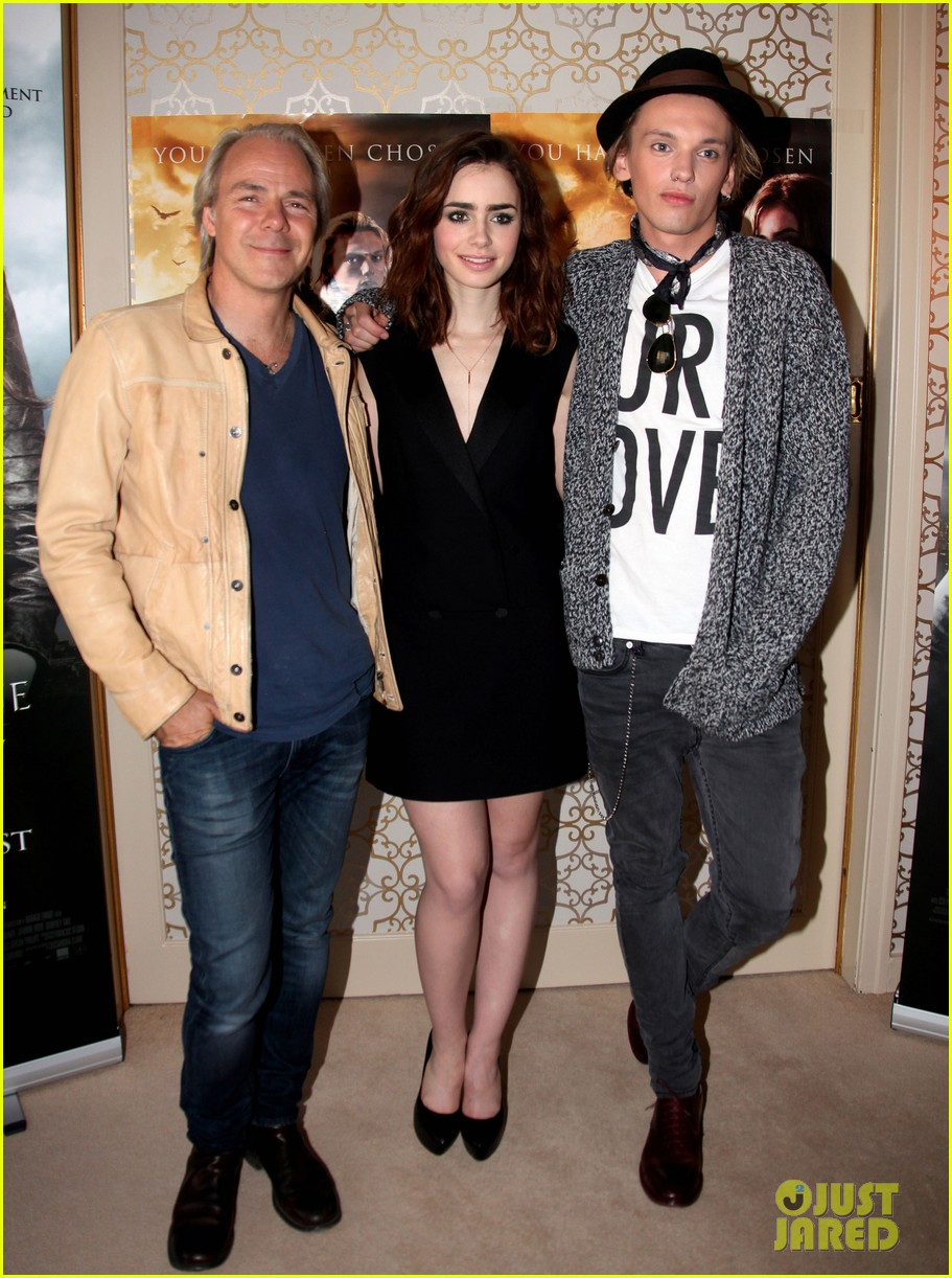 lily collins mortal instruments norway photo call 01