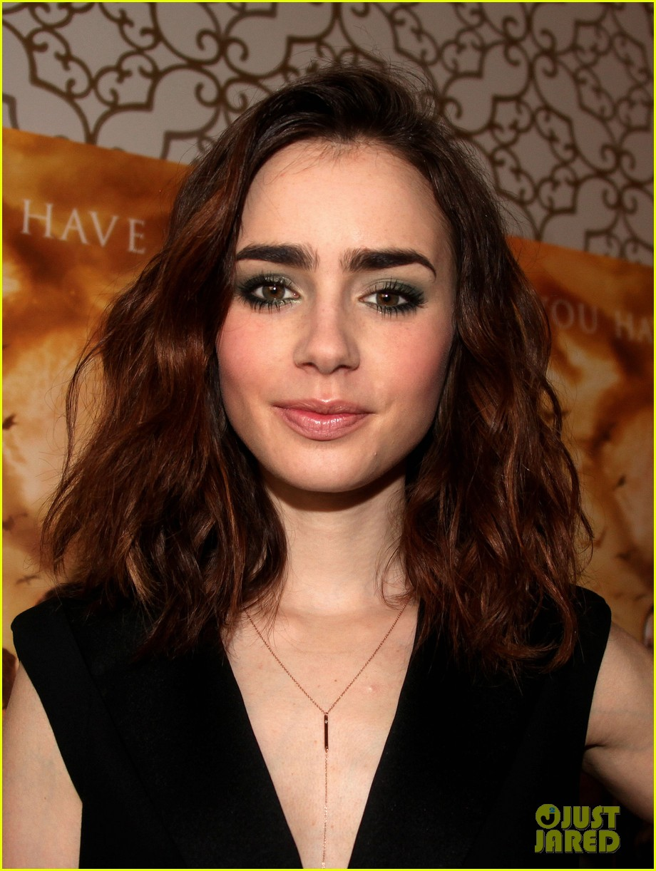 lily collins mortal instruments norway photo call 08