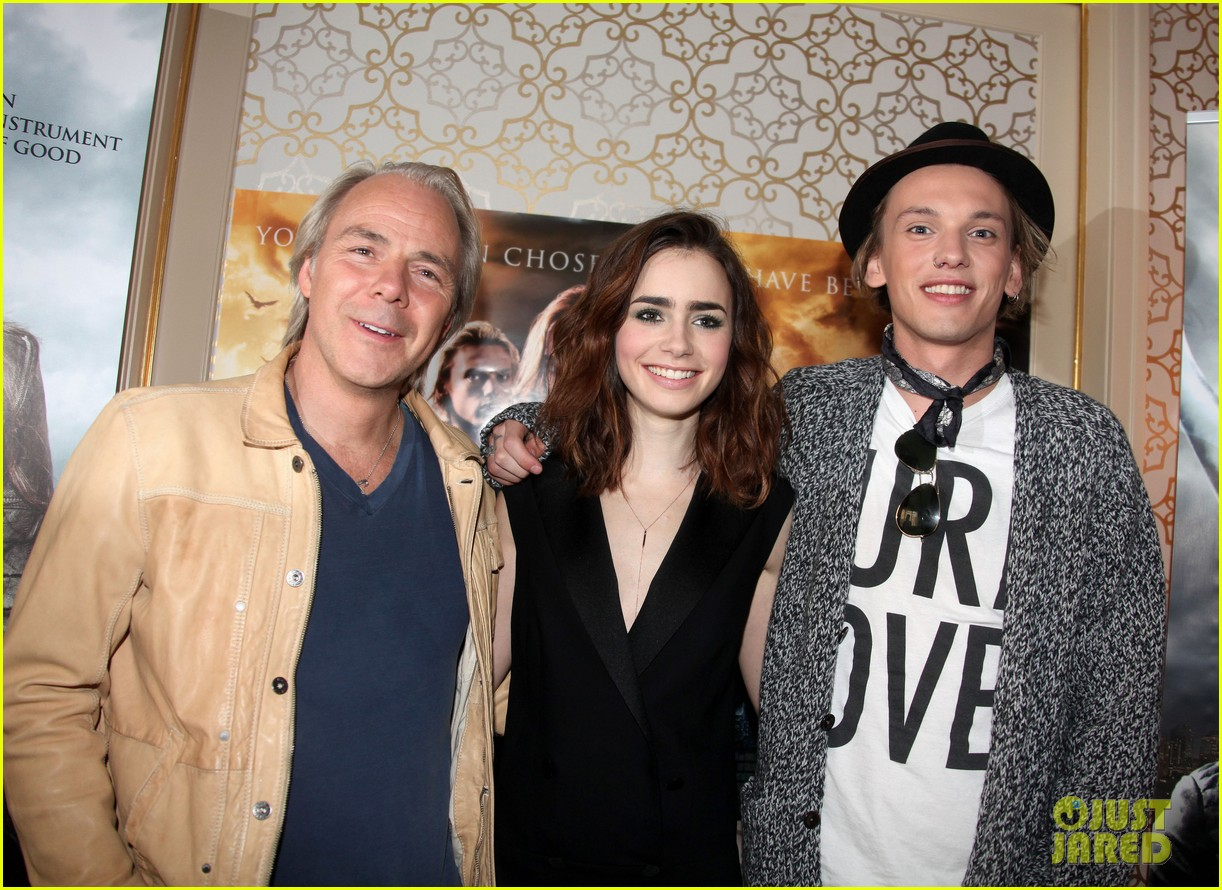 lily collins mortal instruments norway photo call 10