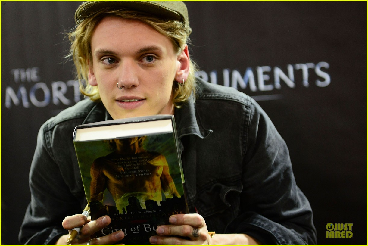 lily collins jamie campbell bower city of bones philly signing 20